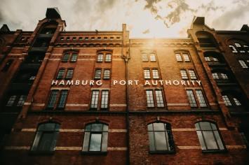 In der altehrwürdigen Hamburger Speicherstadt.